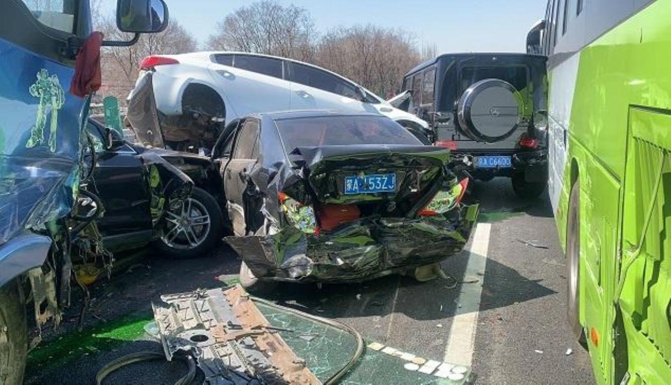 京藏高速事故最新消息:7人受伤 其中1人伤势较重