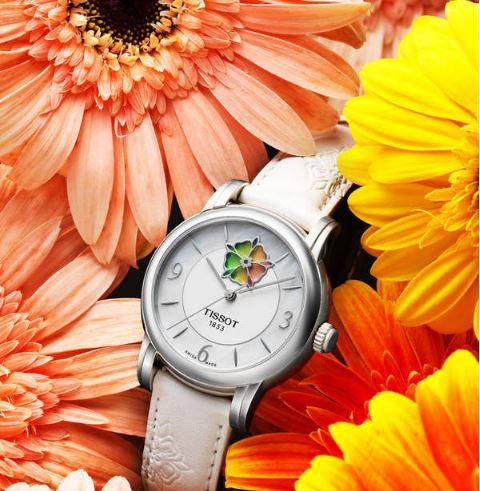 天梭表以彩虹玫瑰探索女孩的百变魅力 这一刻芳香与力量同在