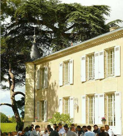 赵薇上海豪宅坐拥15000平的湖 在法国还有城堡!