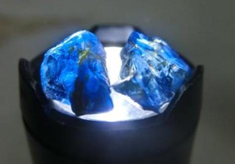 当温度高达1000的岩浆遇上美丽的钻石会怎么样?