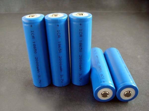 """固态电池携两大优势""""闯关"""" 辉能""""类高通""""模式能否创下神话"""