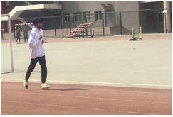 王俊凯回校体测 顶级流量也逃不过学校检测