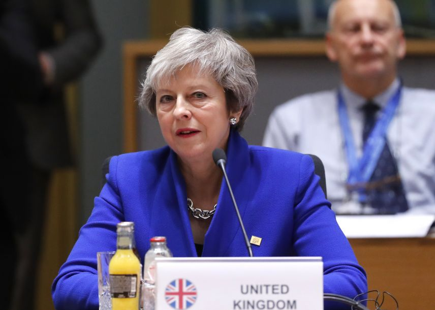 前保守党领袖敦促梅姨辞职