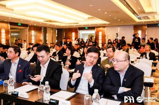 2019年威尼斯人官网拍卖行业协会年度峰会在上海举行