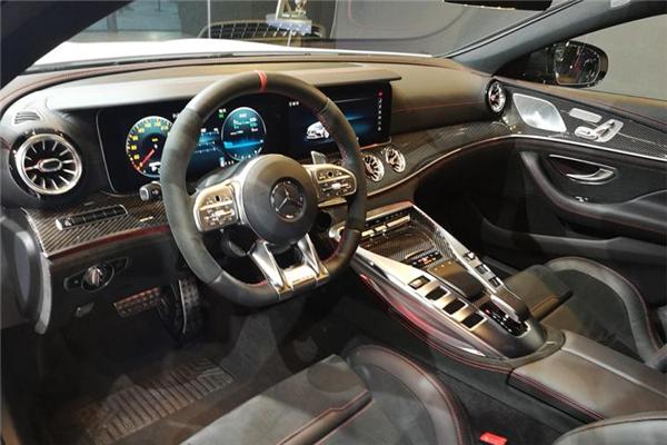 奔驰AMG GT四门跑车家族上市 售价97.38万元起