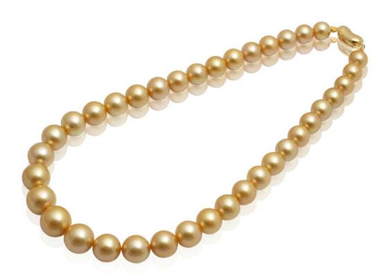 珍珠首饰成为香港珠宝首饰展览会的亮点之一