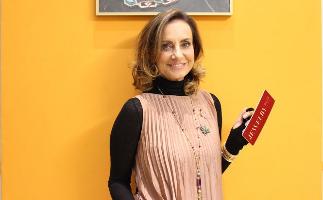 她在宝格丽工作了35年 从宝石选购员走到创意总监