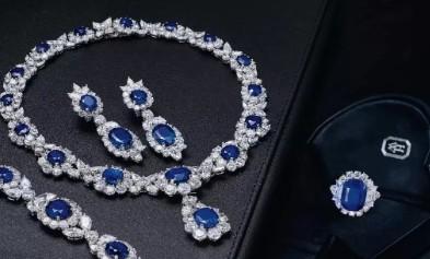 海瑞温斯顿169.8克拉蓝宝石套装以4189万港币成交