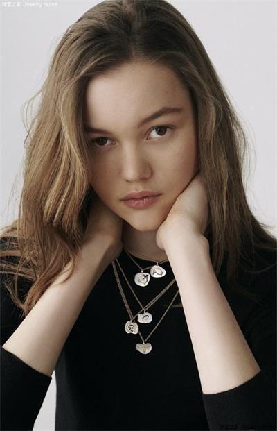 迪奥推出Astro Dior星座系列高级珠宝