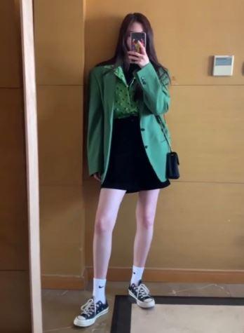 宋妍霏私服一周日常穿搭 swag满满的酷帅girl