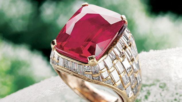 闪耀世界知名拍卖行的格拉夫红宝石