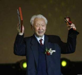 张艺谋恩师去世 曾培养中国一代著名导演
