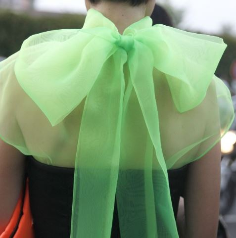 一件蝴蝶结衬衫 把你变成稳重优雅的学院风少女