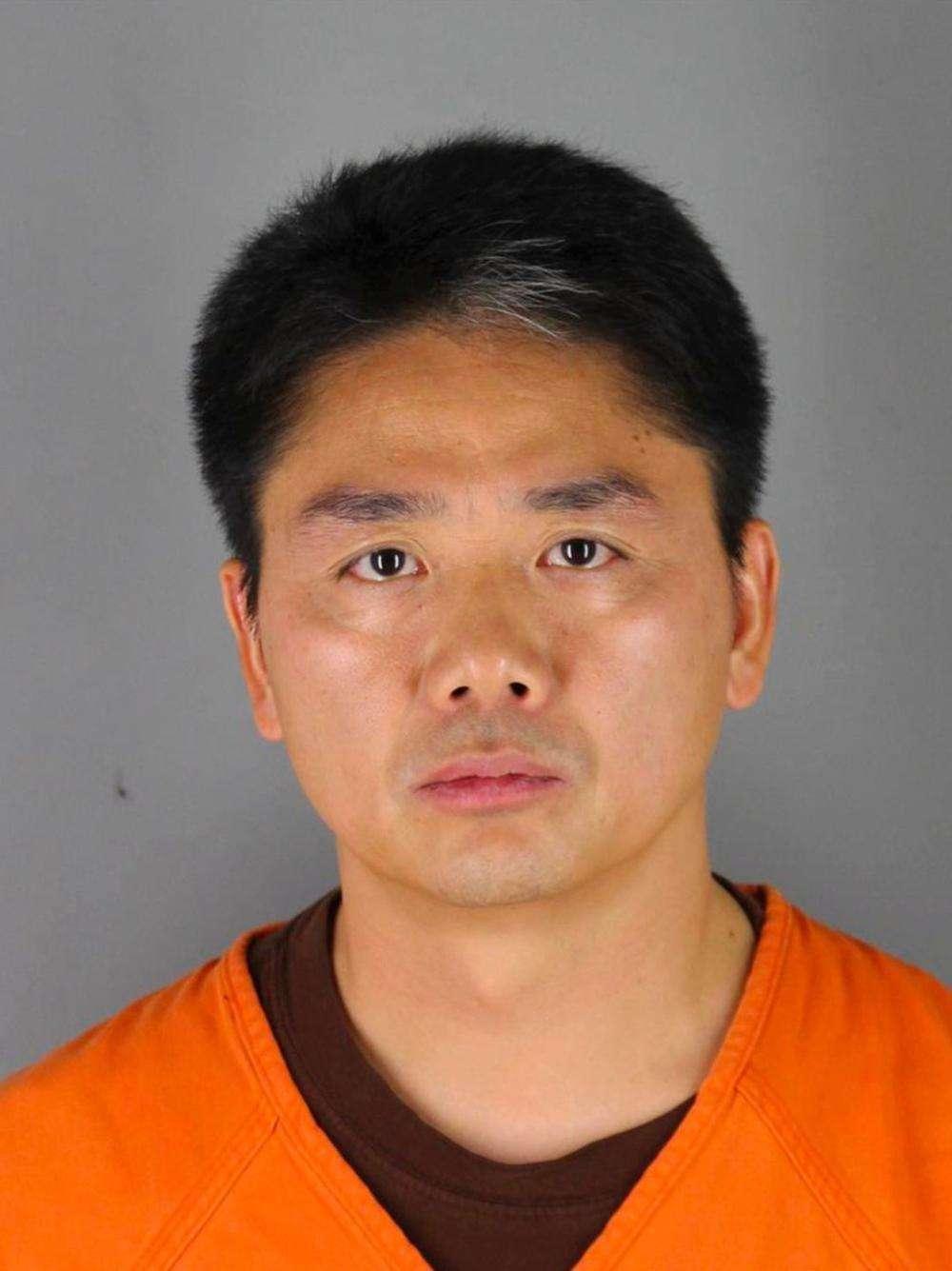 刘强东案关键证人为什么离开美国