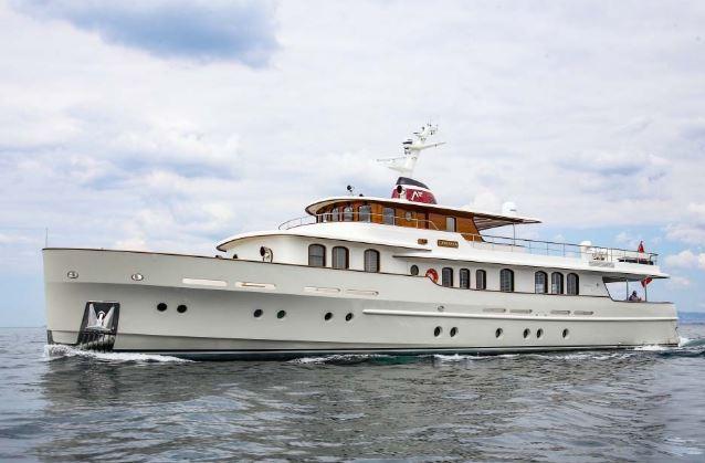 土耳其黄金时代风格Laniakea:时尚经典的巡航艇