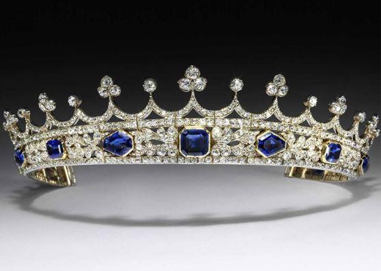 维多利亚女王王冠现身V&A博物馆