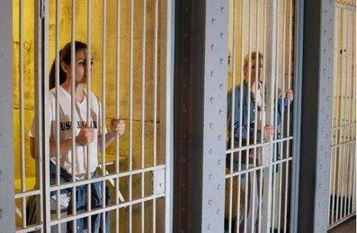 """客人住在牢房? 敢来监狱旅馆体验""""铁窗生活""""吗"""