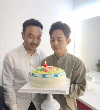何炅生日与汪涵庆祝 杨乐乐反成第三者?