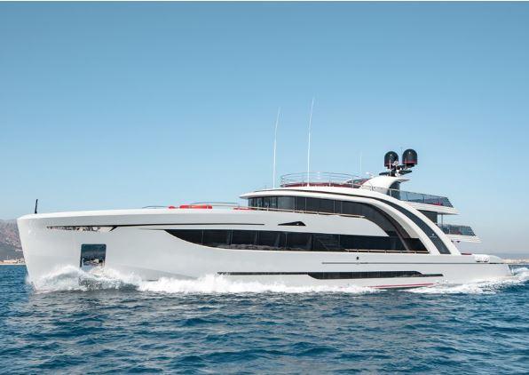 50米Euphoria超级游艇 漂浮于海上的艺术品