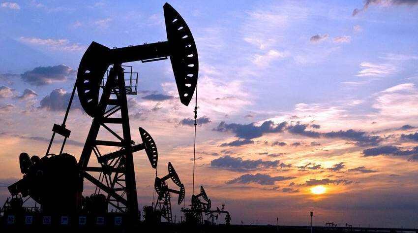原油市场波澜迭起:供需失衡 石化行业凛冬将至?