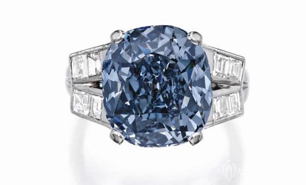 日内瓦国际珠宝展上那枚Shirley Temple的蓝钻