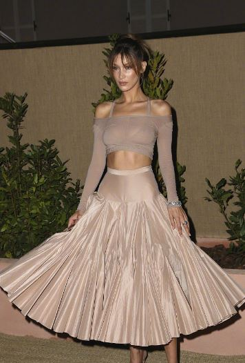 景甜 水原希子 Bella Hadid出席戛纳电影节品牌晚宴