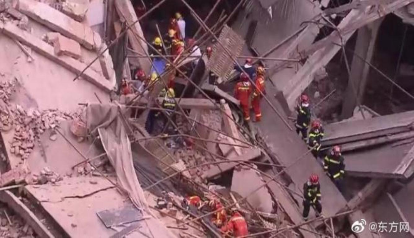 上海厂房坍塌10死 事故调查组已连夜开展工作