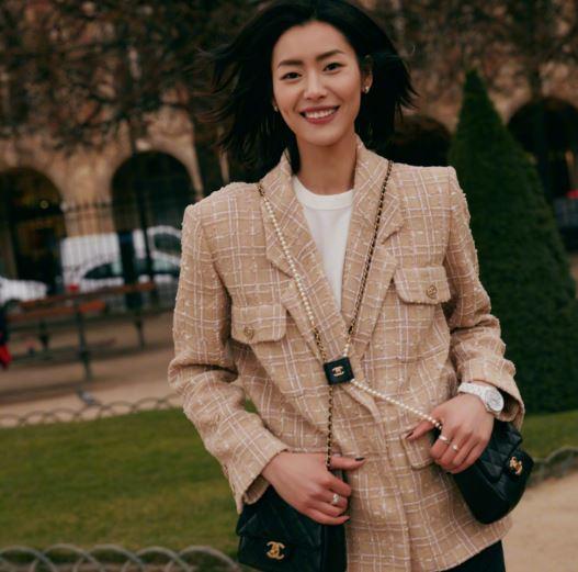 香奈儿大使宋茜刘雯演绎新款2019春夏手袋
