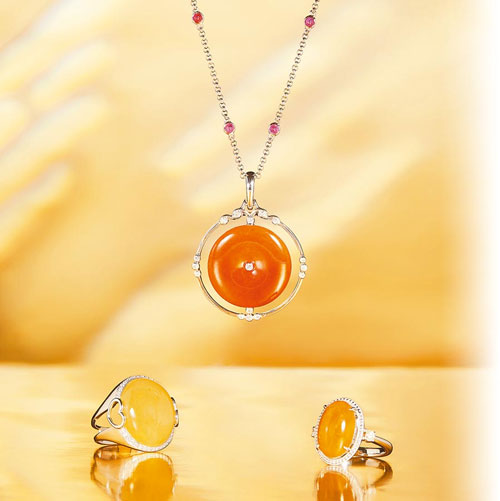 玉世家暖色系翡翠珠宝 为你增添自信神采
