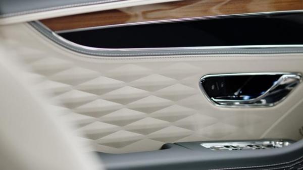 宾利发布全新一代飞驰预告图 2019年年内正式发布