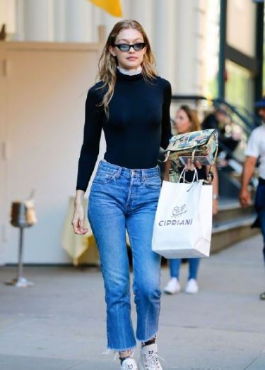 Gigi Hadid Jeans 堪称牛仔裤的穿搭教科书