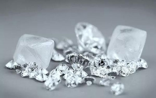 """新品种:天然与合成的""""混血""""钻石"""