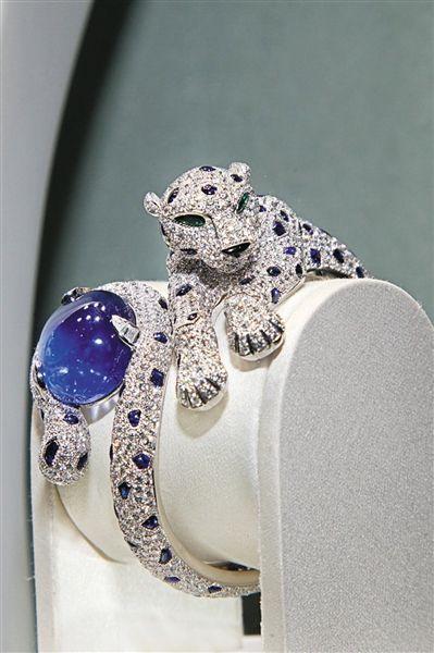 苏富比香港举行线上珠宝拍卖专场