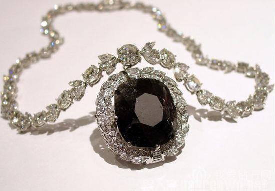 黑钻石原石的鉴定方法
