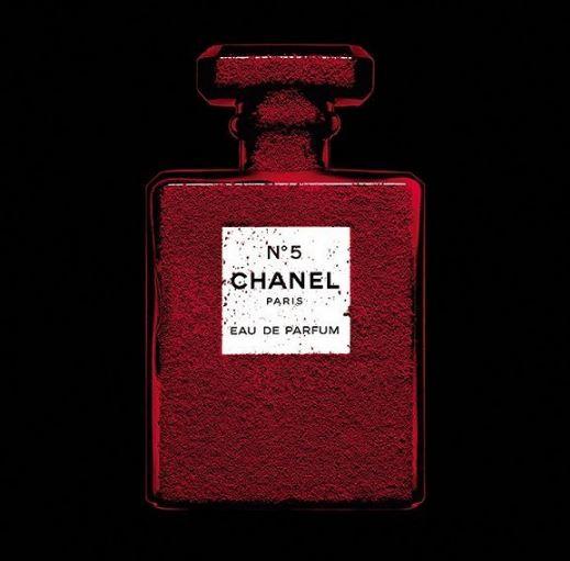 香奈儿N°5红色限定版香水 女性韵味的化身