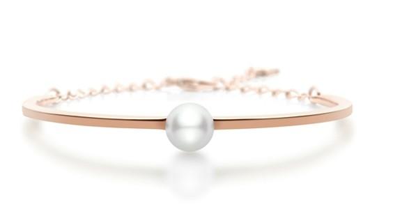 迪丽热巴完美演绎全新概念的MIKIMOTO D-Bracelet系列新品