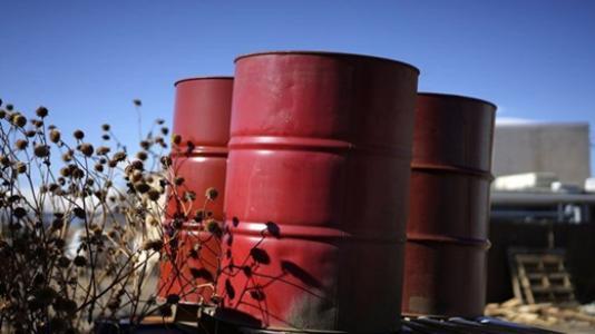 EIA原油库存意外大增 美油跌至1月以来最低