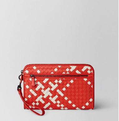 Bottega Veneta葆蝶家格纹图案包包 为爱编织专属密码