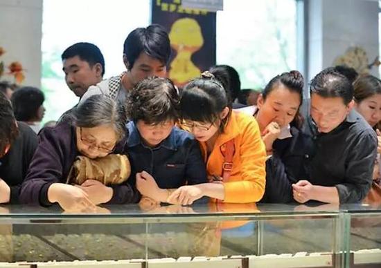 老凤祥超越周大福成为珠宝行业第一品牌