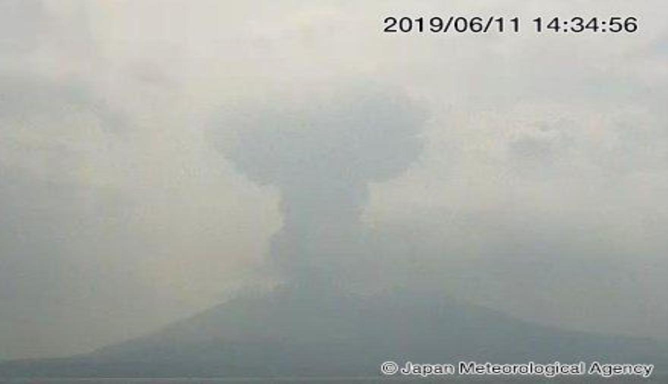 日本樱岛火山爆发 日媒称此次喷烟量较大