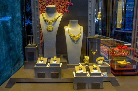 国际金价新高带动苏城金饰品市场一派红火