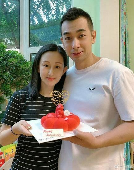 赵文卓结婚13周年 生活就是需要仪式感
