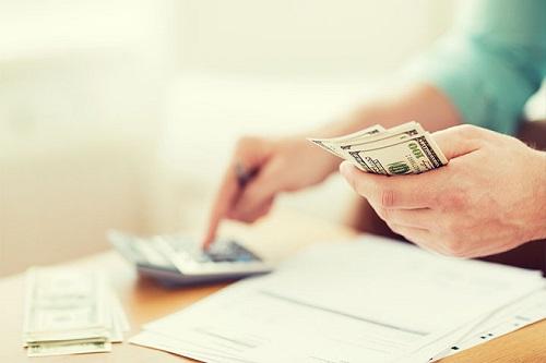 靠投资收益勉强盈利 贷款减值损失吃掉近半收入