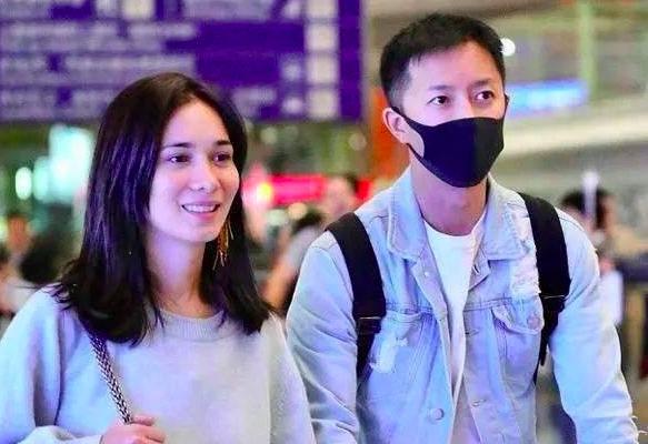 韩庚卢靖姗结婚 于今日被拍到在香港注册结婚