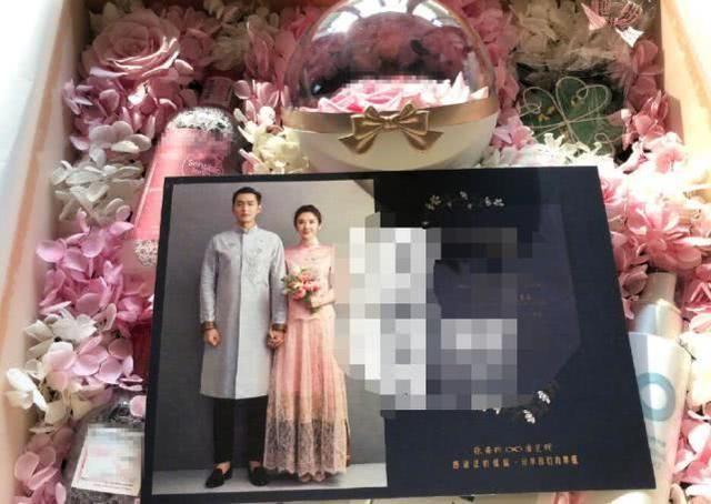 张若昀唐艺昕伴手礼 月底办婚礼!