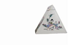民国粉彩三角形茶叶罐鉴赏