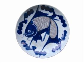 晚清青花釉里红鱼纹盘鉴赏