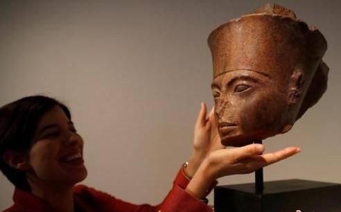 古埃及少年法老图坦卡门雕像将拍卖引起埃及当地不满