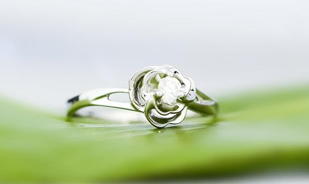 90后00后新人结婚时买50分钻戒可以吗?