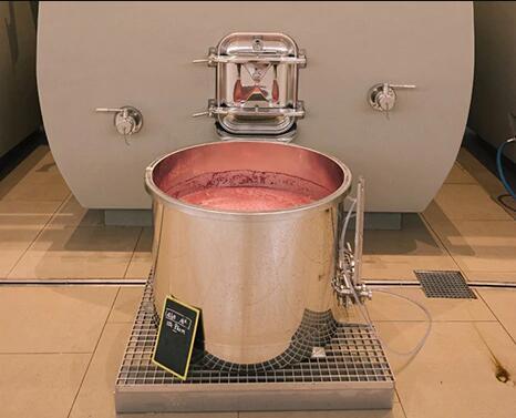 酒界傳奇——1947年白馬酒莊紅葡萄酒